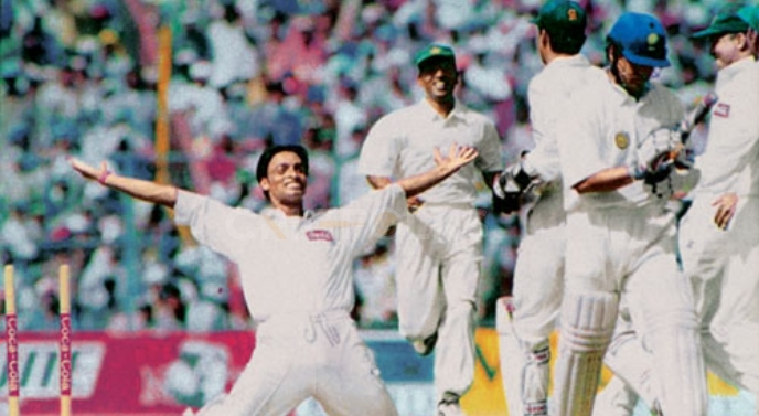 What Shoaib Akhtar did to Tendulkar in Pak vs Ind Kolkata Test 1999?