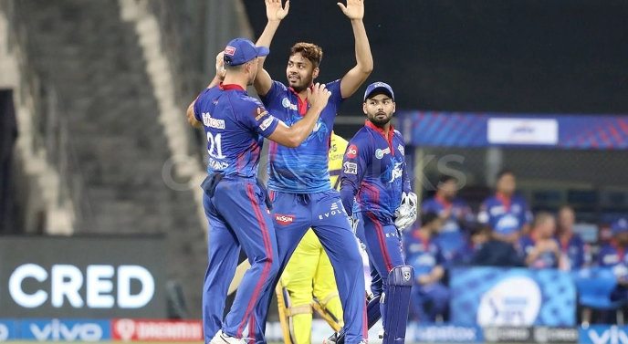 IPL 2021 Match 2 CSK vs DC: Avesh Khan, Chris Woakes Magical spells: