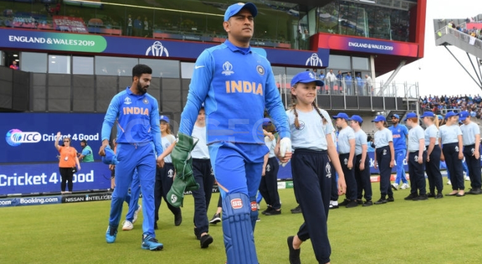Happy fans over MS Dhoni's inclusion in WT20 as mentor